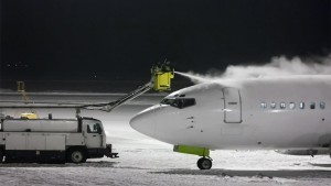 LIFT-deicing-airplane-airport-800x450